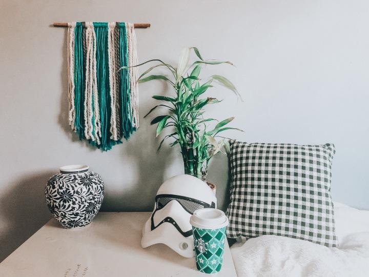 DIY yarn wallhanging
